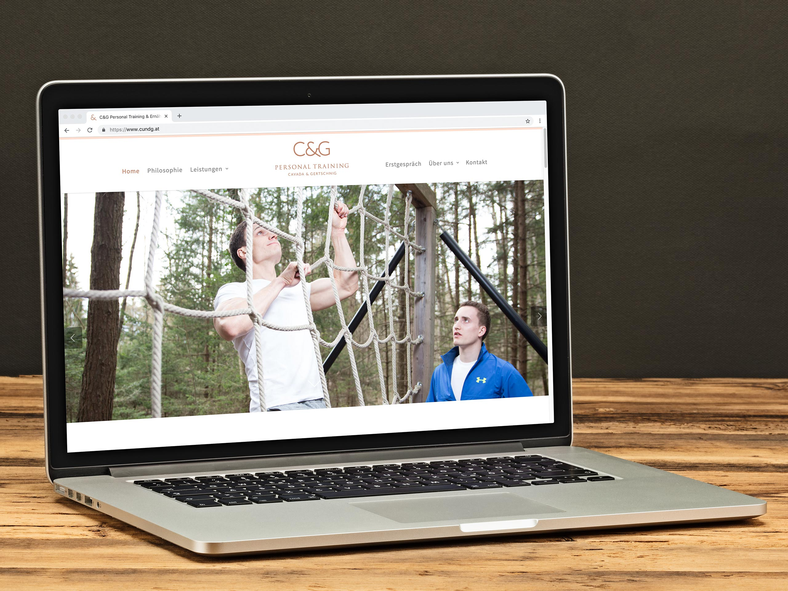 C&G Personal Training Website am Laptop