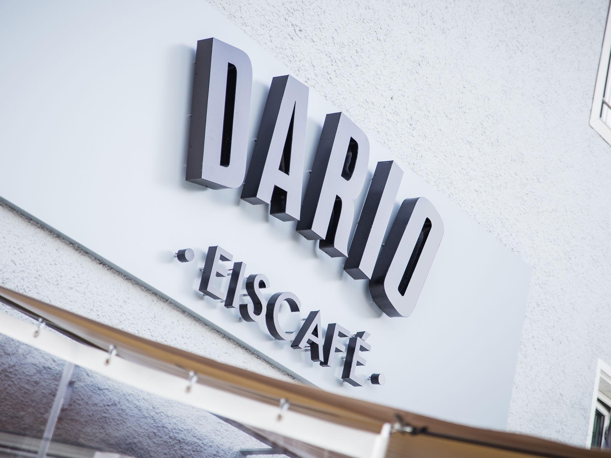 Dario Eiscafé – Logo als 3-dimensionales Schild